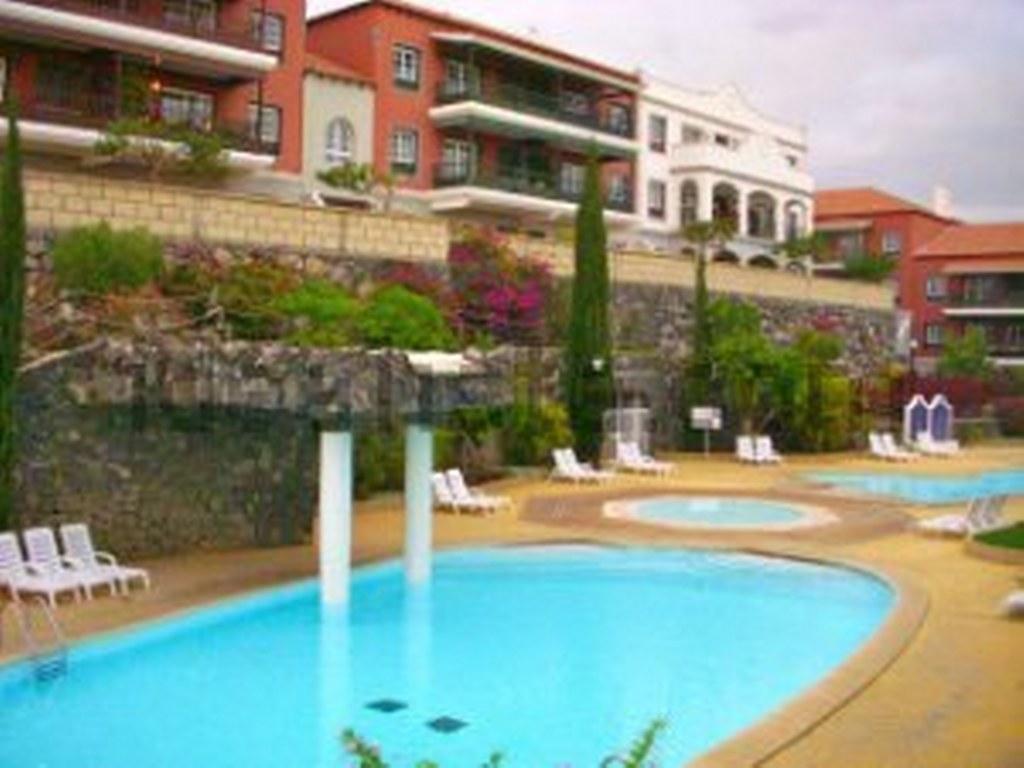 Diving-Tenerife-Biltmore-Pool-1