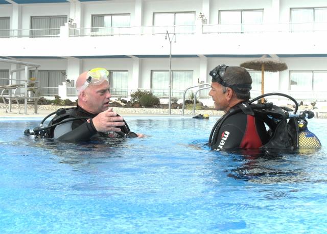 Diving-Tenerife-Pool-Dive-And-Sea-Tenerife (2)